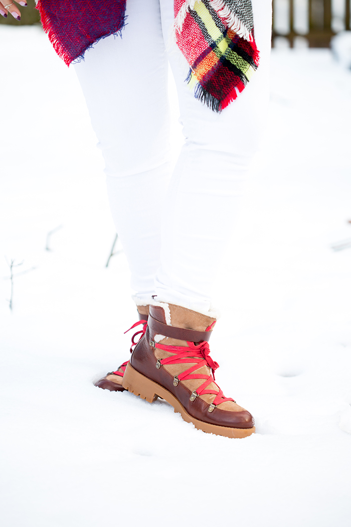 Snow-boot-style-hiking-boot-Tiffany-Pinero-Winter-Fashion