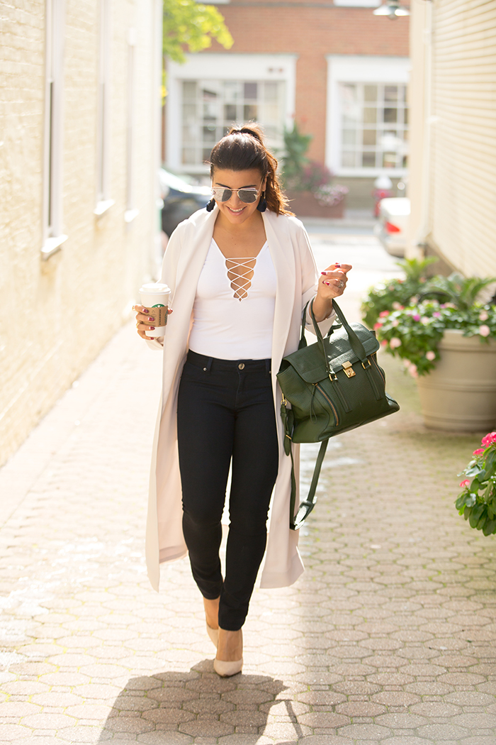 Fall-transition-style-Tiffany-Pinero-Fashion-Stylist-Blogger-Aritzia-Jacket